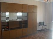 Продаю стенку пр-во Рига 4 метра 3 секции
